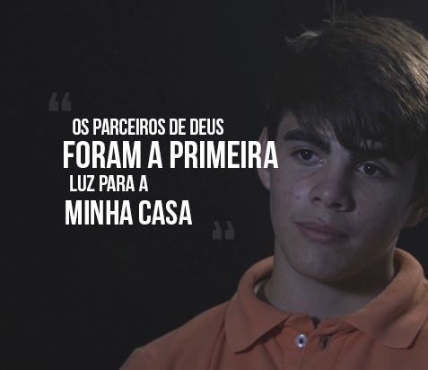"""""""Os Parceiros de Deus foram a primeira luz para a minha casa"""", diz Vitor Hugo"""