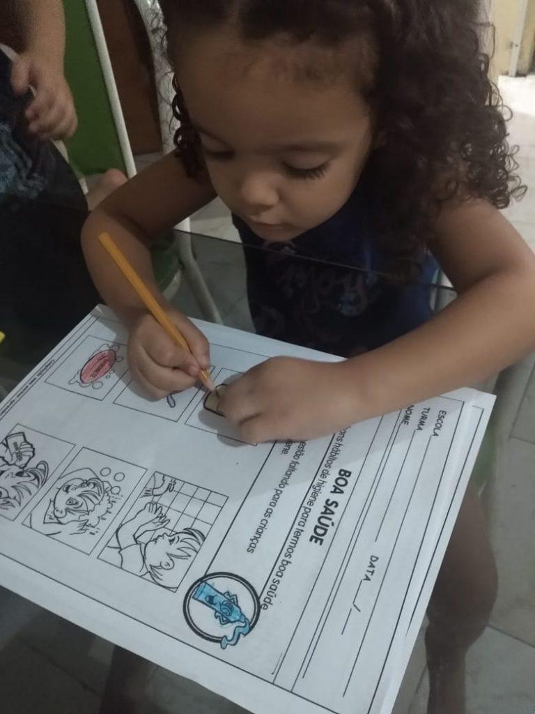 Creche Vó Zizi realiza atividades em EAD para as crianças